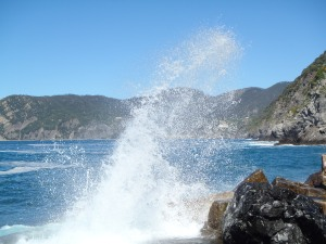 Waves crashing in Corniglia